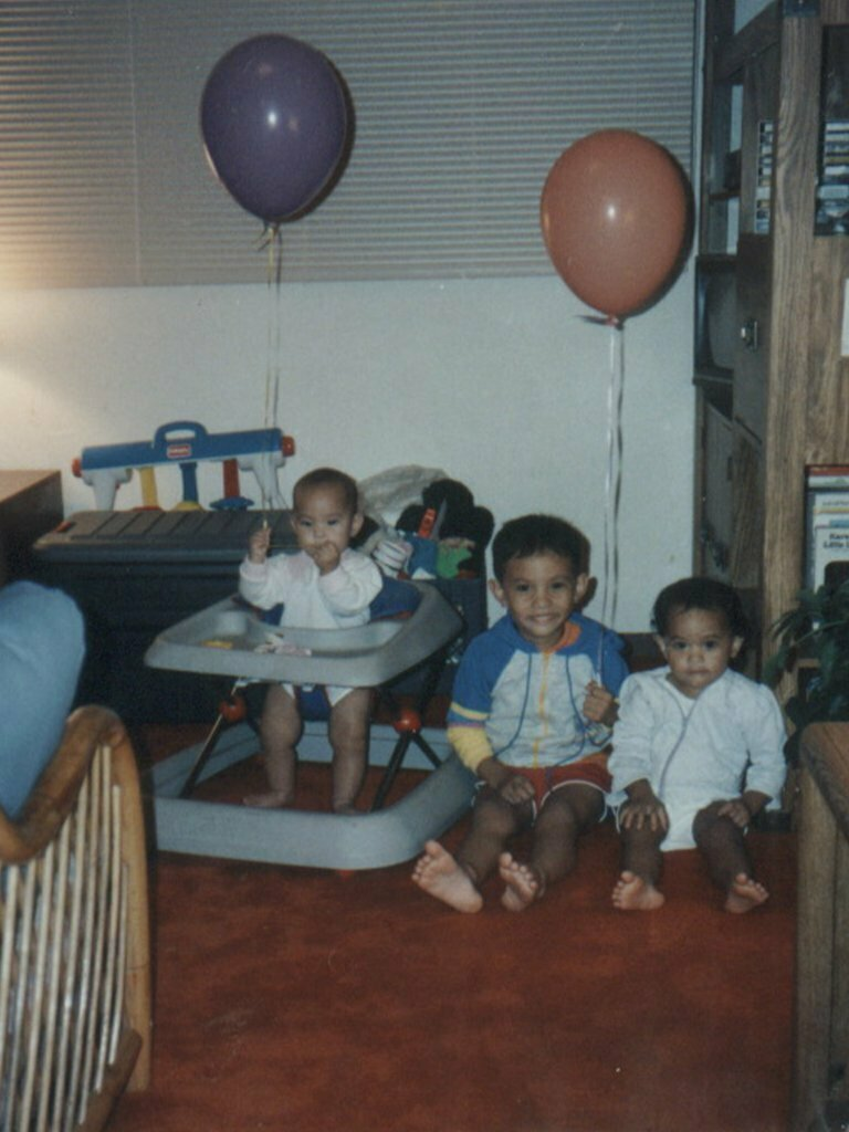baby picture with siblings
